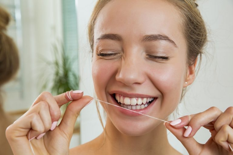 5 Must Haves for Wearing Invisalign When On-The-Go